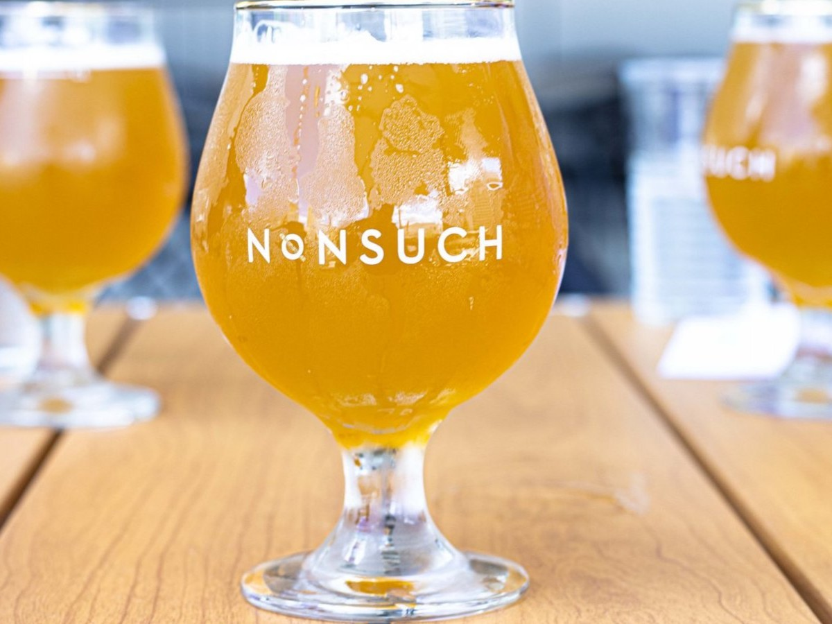 September is for sours - A fruity and hazy gateway to sour beers, Nonsuch Beer's Mango Kettle Sour is a must! (photo: Maddy Reico)