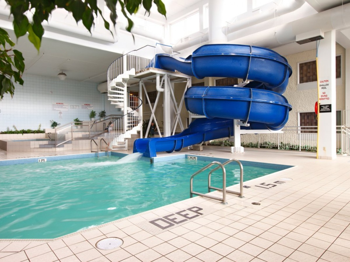 Need to stay cool? Let's point you to a pool - Viscount Gort's waterslide spins you twice to make it nice (photo courtesy of Viscount Gort Hotel)