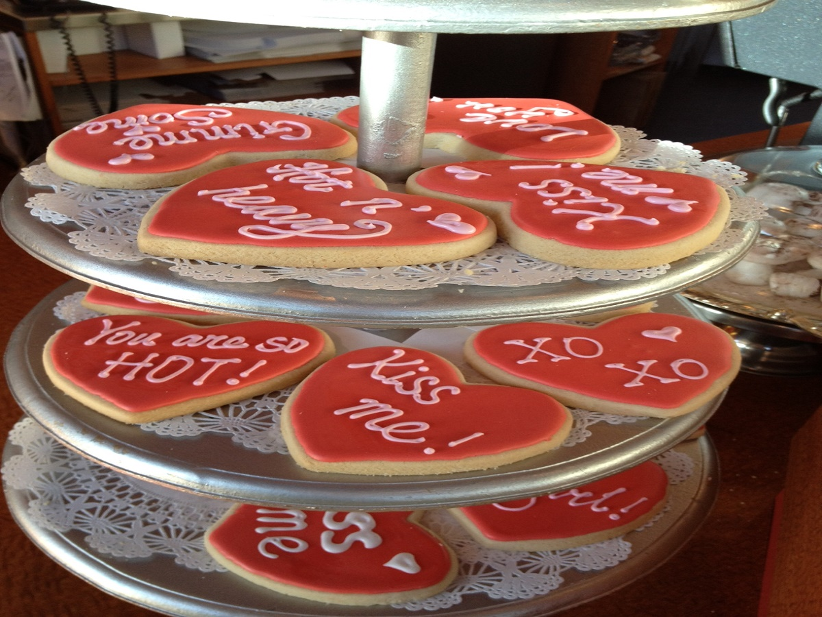 Dessert Sinsations: A Love of Food - Cookie platter from desert sensations