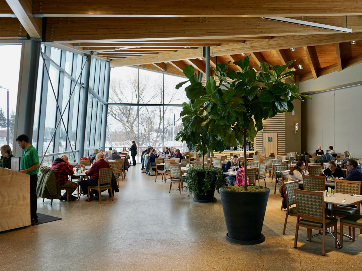 Park Café: Dining room with a view -