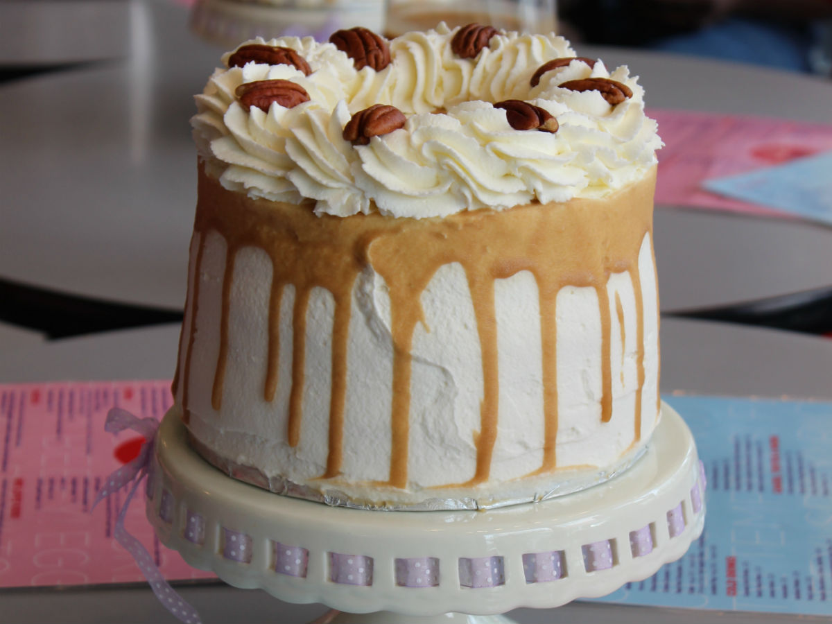 Books 2 Eat: Top Shelf Artistry in Cake - Baked Expectations delivering again with this beauty of a bake.