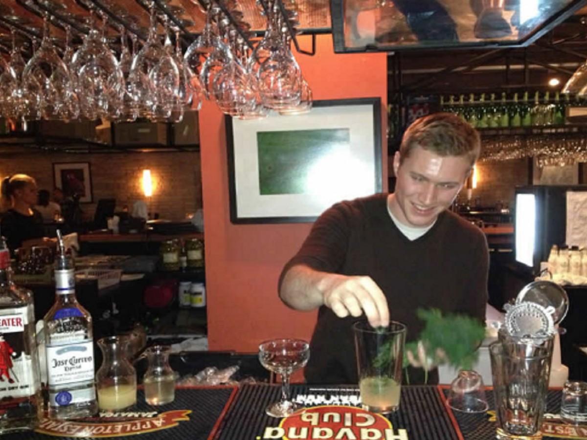 Hermanos' Star Behind the Bar -