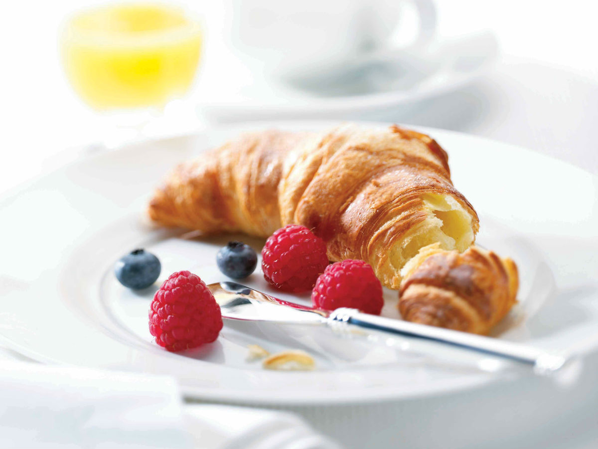 Behind the Line: Velvet Glove at The Fairmont - mmm, freshly baked, melt in your mouth croissants