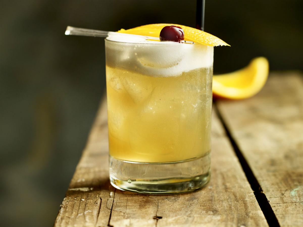 Quench: Bartender Battle - Divine Amaretto Sour from Deer + Almond