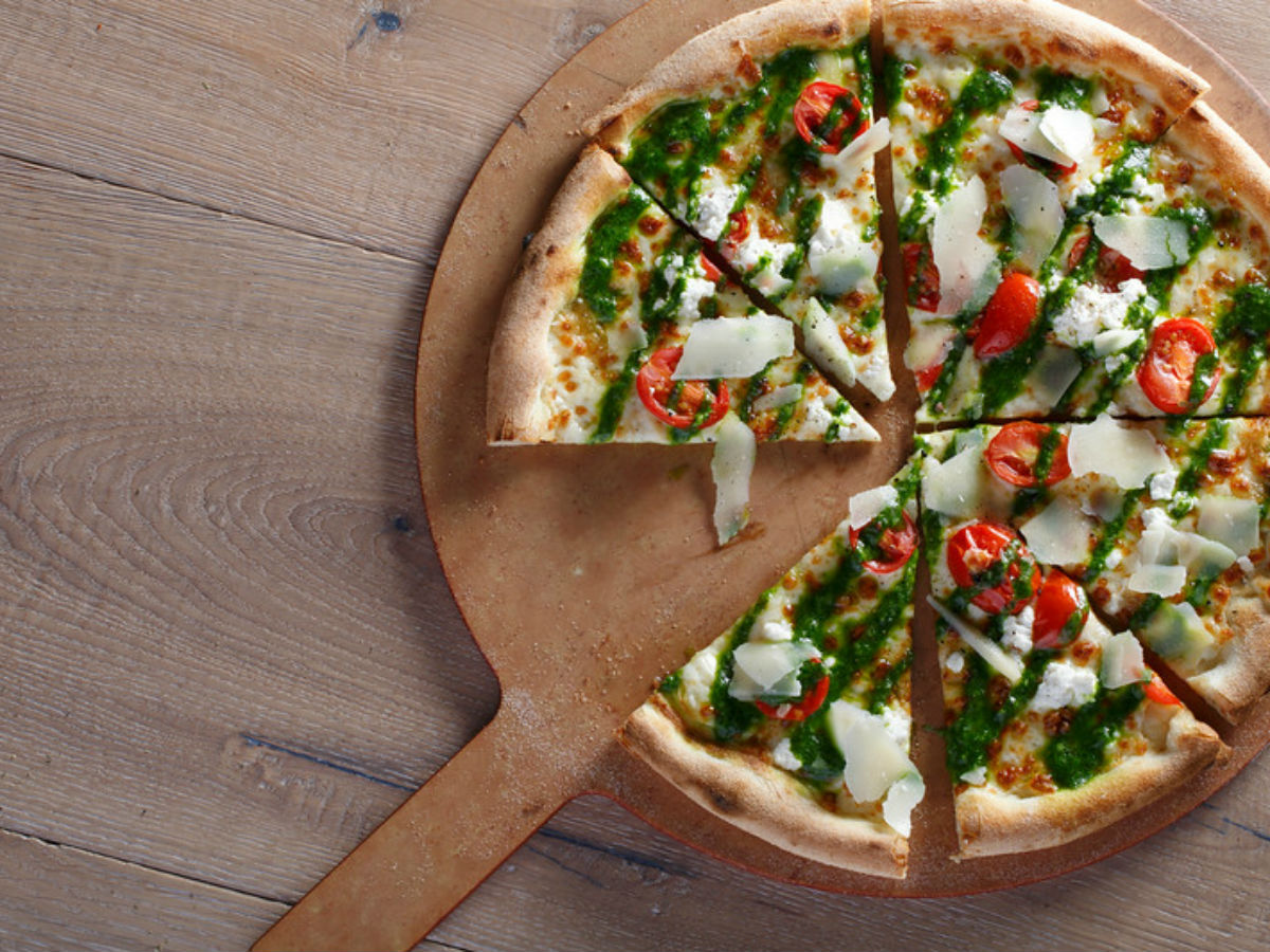 Ten Winnipeg foods to try right now - White coal fired pizza from Carbone