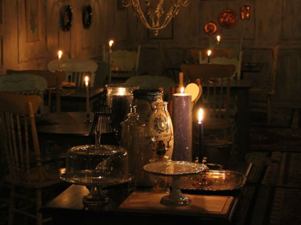 Memorable meals & some of the best bites from 2015 - Dining hall from Sous Sol, candle-lit for quite the romantic bite.