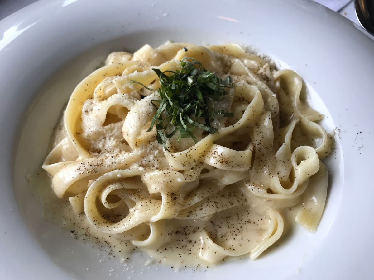 Mona Lisa's Italian roots have been growing for nearly 35 years - Mona Lisa's popular fettuccine alfredo (PCG)