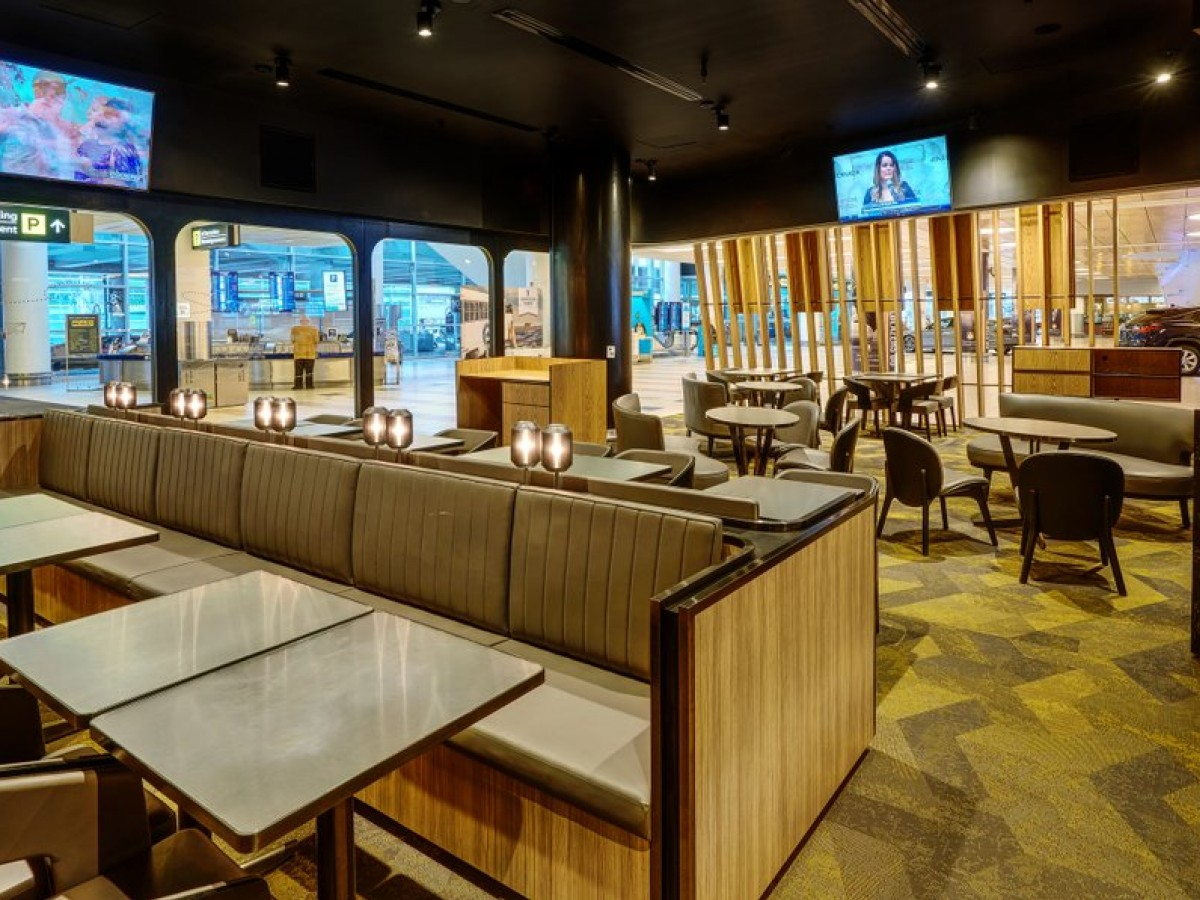 Destination Dining: Root98 offers wholesome food upon arrival at YWG - Root98's slick dining room and lounge (Winnipeg Airports Authority)