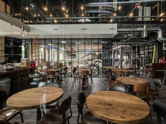 New and notable Winnipeg restaurants for September 2021 - The dining room coming together at James Avenue Pumphouse (photo by Brent Bellamy)