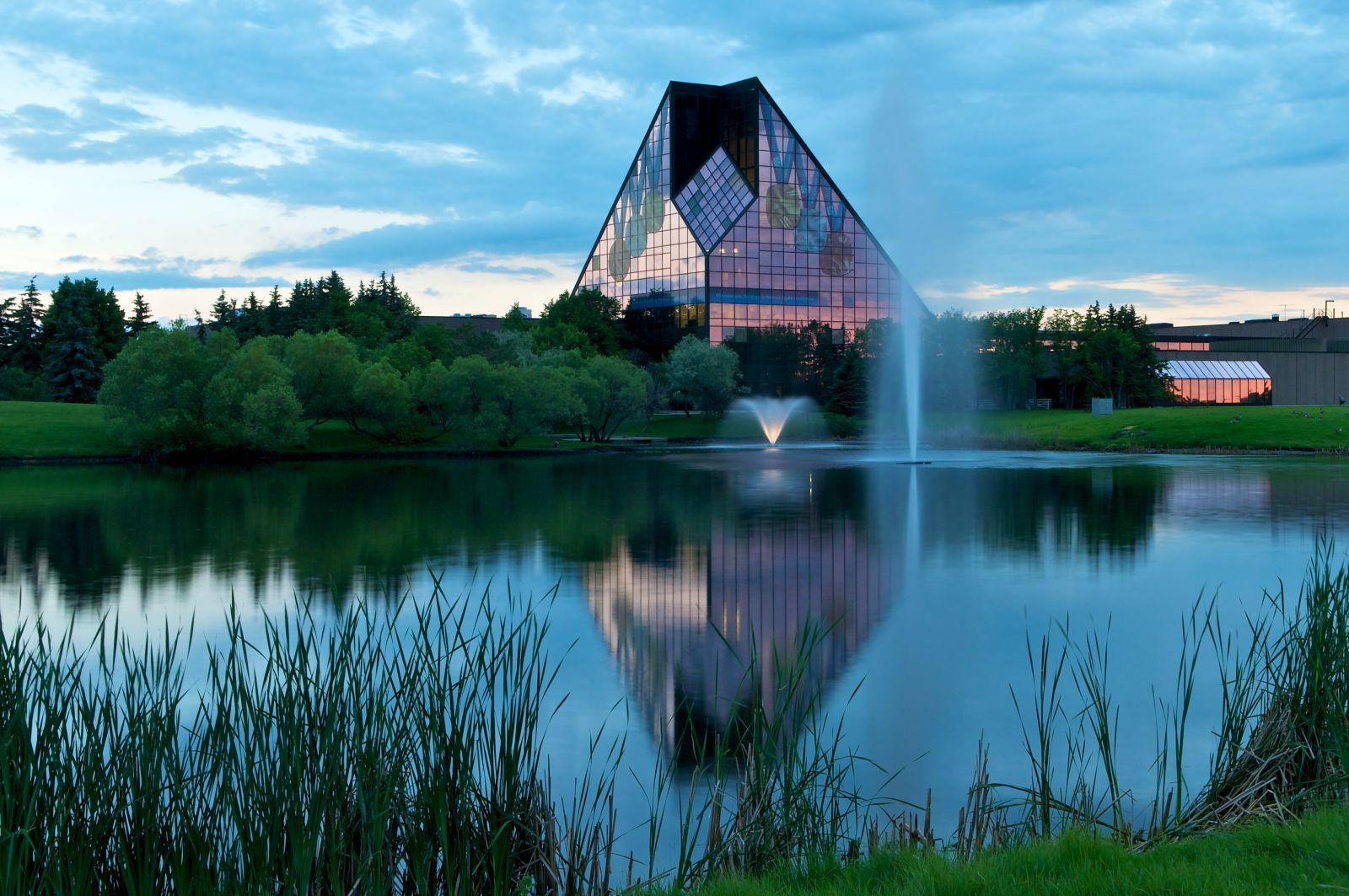 Top 10 Must Sees Tourism Winnipeg