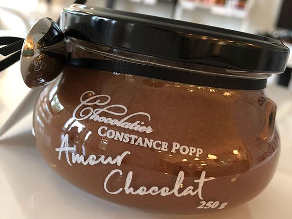 Exquisite Chocolate Caramel Dessert Sauce - representative image